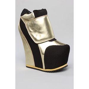 Jeffrey Campbell x Karmaloop Succession shoe 👟